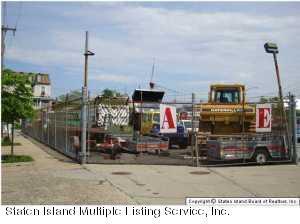 137 Van Duzer Street, Staten Island, NY 10301 (MLS #1125506) :: RE/MAX Edge