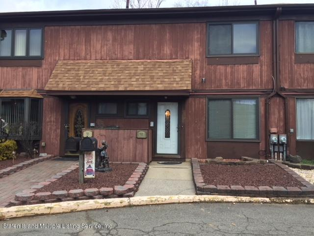 98 Bower Court, Staten Island, NY 10309 (MLS #1125937) :: RE/MAX Edge