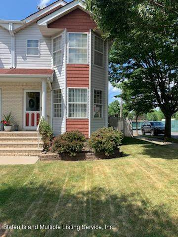 1 Bellhaven Place A, Staten Island, NY 10314 (MLS #1137997) :: RE/MAX Edge