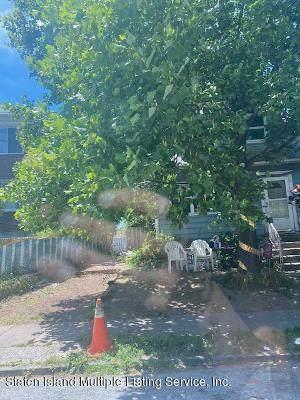 74 Dubois Avenue - Photo 1