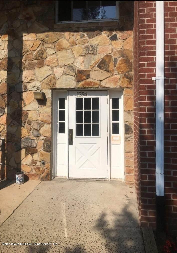 1294 Rockland Avenue - Photo 1