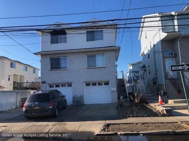 137 Grimsby Street, Staten Island, NY 10305 (MLS #1140664) :: Laurie Savino Realtor