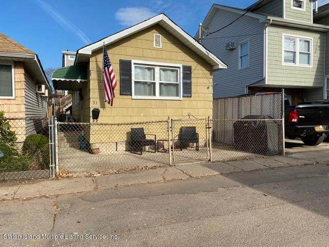 31 Center Place, Staten Island, NY 10306 (MLS #1142306) :: Team Gio | RE/MAX