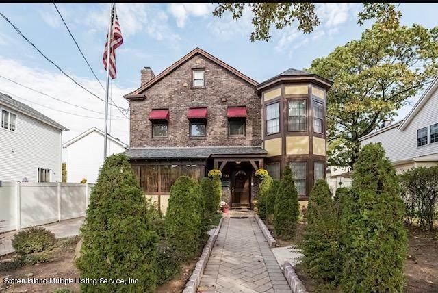 197 Johnson Avenue, Staten Island, NY 10307 (MLS #1143062) :: Team Pagano