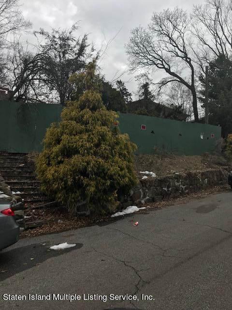 70 Cedar Terrace, Staten Island, NY 10304 (MLS #1143170) :: Team Pagano