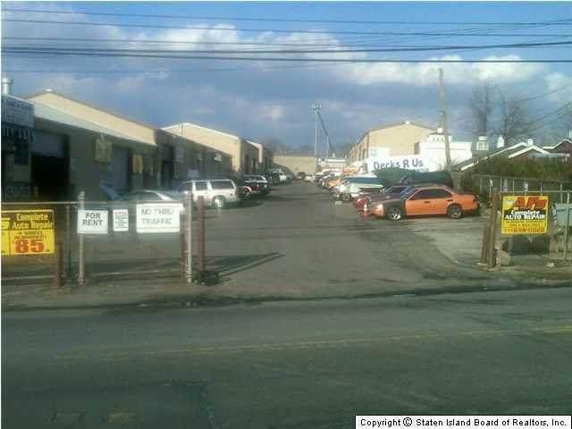 1303 Travis Avenue, Staten Island, NY 10314 (MLS #1144182) :: Team Gio   RE/MAX