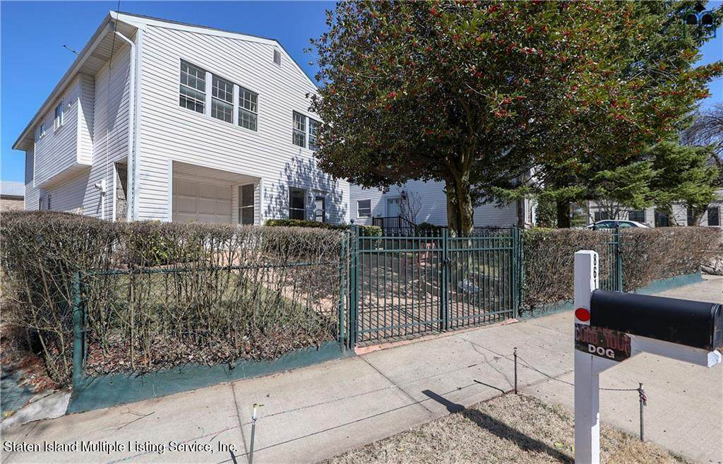861 Willowbrook Road - Photo 1