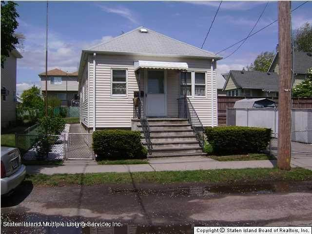 11 Bailey Place, Staten Island, NY 10303 (MLS #1145145) :: Team Gio | RE/MAX