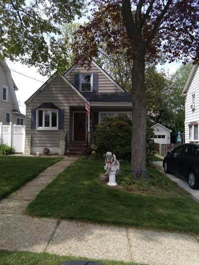 334 Hart Avenue, Staten Island, NY 10310 (MLS #1145707) :: Team Pagano