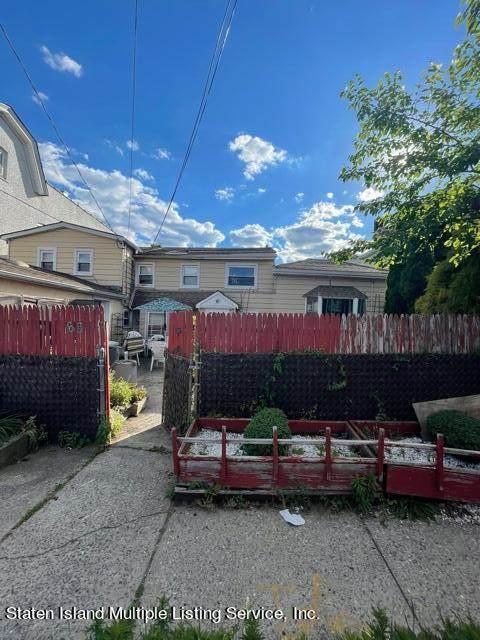68 Arthur Avenue, Staten Island, NY 10305 (MLS #1147286) :: Team Gio | RE/MAX