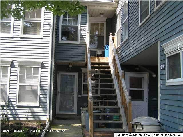 189 Pond Way B, Staten Island, NY 10303 (MLS #1147571) :: Team Gio | RE/MAX