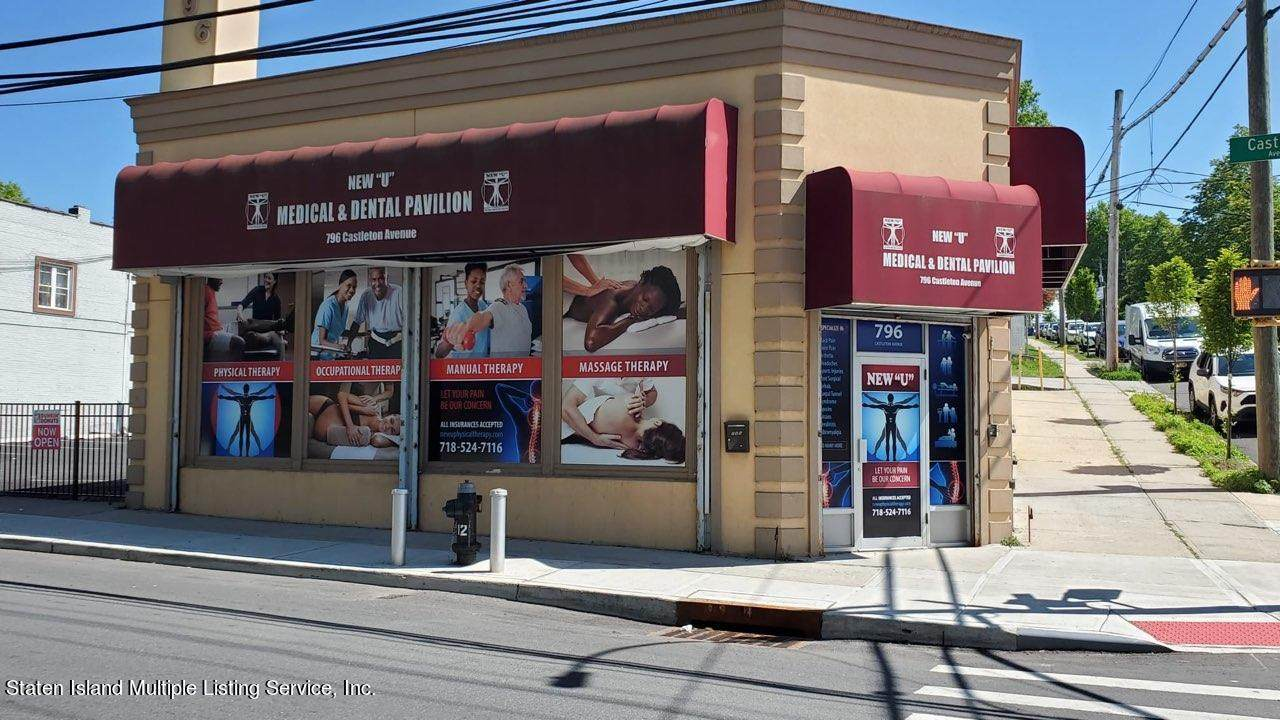796 Castleton Avenue - Photo 1