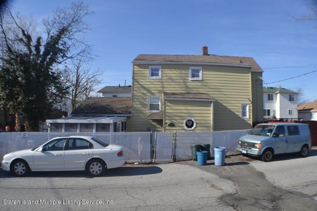 32 Linda Avenue, Staten Island, NY 10305 (MLS #1116835) :: The Napolitano Team at RE/MAX Edge