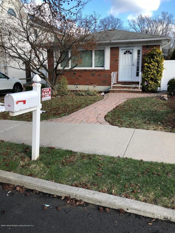 68 Rensselaer Avenue, Staten Island, NY 10312 (MLS #1117561) :: The Napolitano Team at RE/MAX Edge