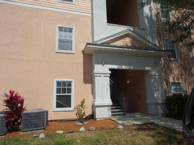 8215 Green Parrot Rd #108, Jacksonville, FL 32256 (MLS #187080) :: Tyree Tobler | RE/MAX Leading Edge