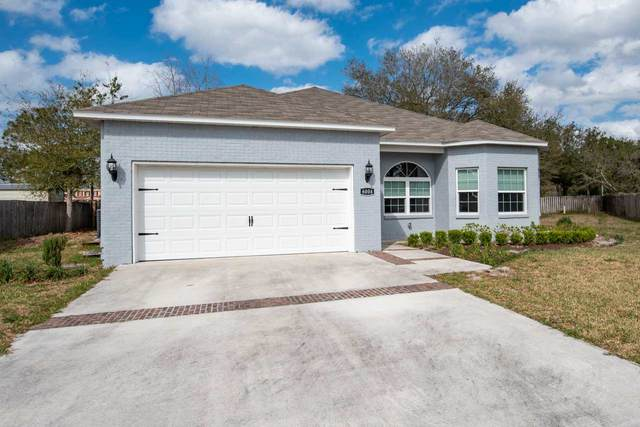 6004 E 1st Manor, Palatka, FL 32177 (MLS #193494) :: The DJ & Lindsey Team