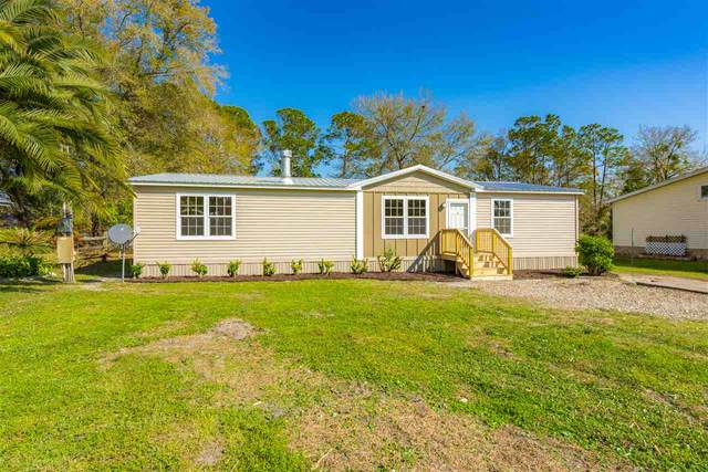 110 Waterside Ave, Satsuma, FL 32189 (MLS #211356) :: The Newcomer Group