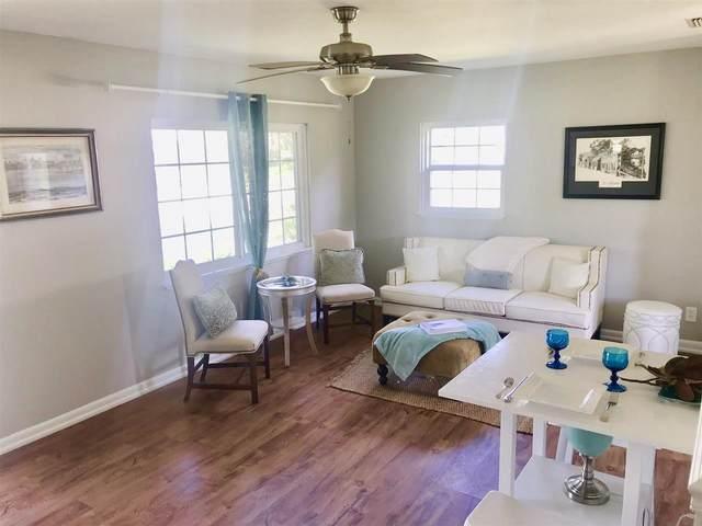 113 W Vivian Dr + New Roof/Hvac, Hastings, FL 32145 (MLS #212252) :: 97Park