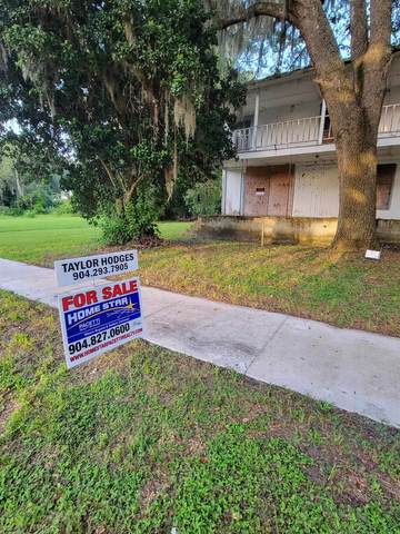 227 S Main St, Crescent City, FL 32112 (MLS #216313) :: The Collective at Momentum Realty