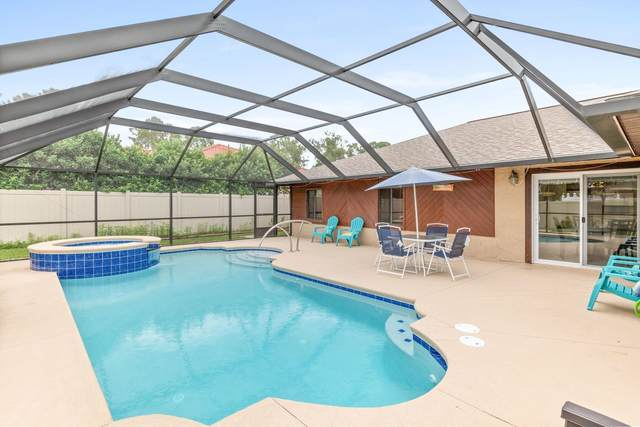 27 Patchogue Ln., Palm Coast, FL 32164 (MLS #217343) :: The Collective at Momentum Realty