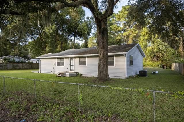 6454 Old Dixie Dr, St Augustine, FL 32095 (MLS #218324) :: The DJ & Lindsey Team