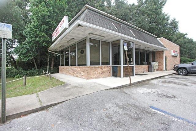 895 North Summit Street, Crescent City, FL 32112 (MLS #170512) :: 97Park
