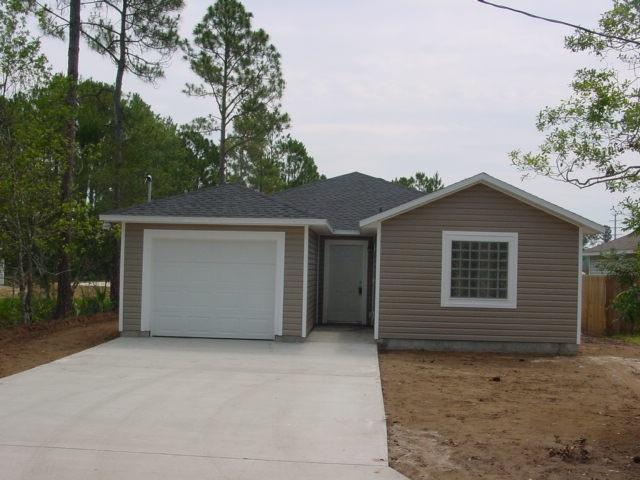 1010 N Orange Street, St Augustine, FL 32084 (MLS #185572) :: Memory Hopkins Real Estate