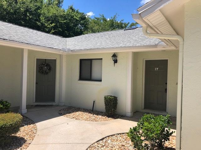 17 Lake Forest Ct, Palm Coast, FL 32137 (MLS #188958) :: Tyree Tobler | RE/MAX Leading Edge