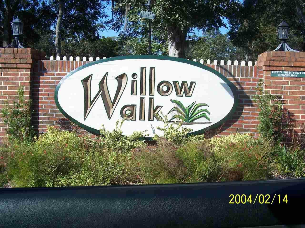 593 Willow Walk - Photo 1