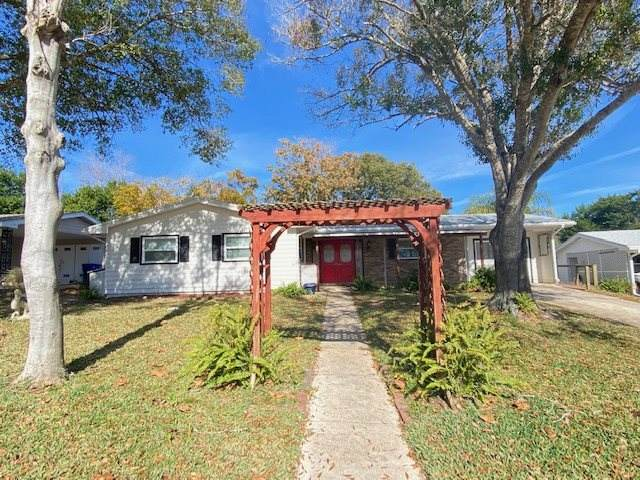 216 Baracoa Ct, St Augustine, FL 32086 (MLS #210089) :: The Newcomer Group