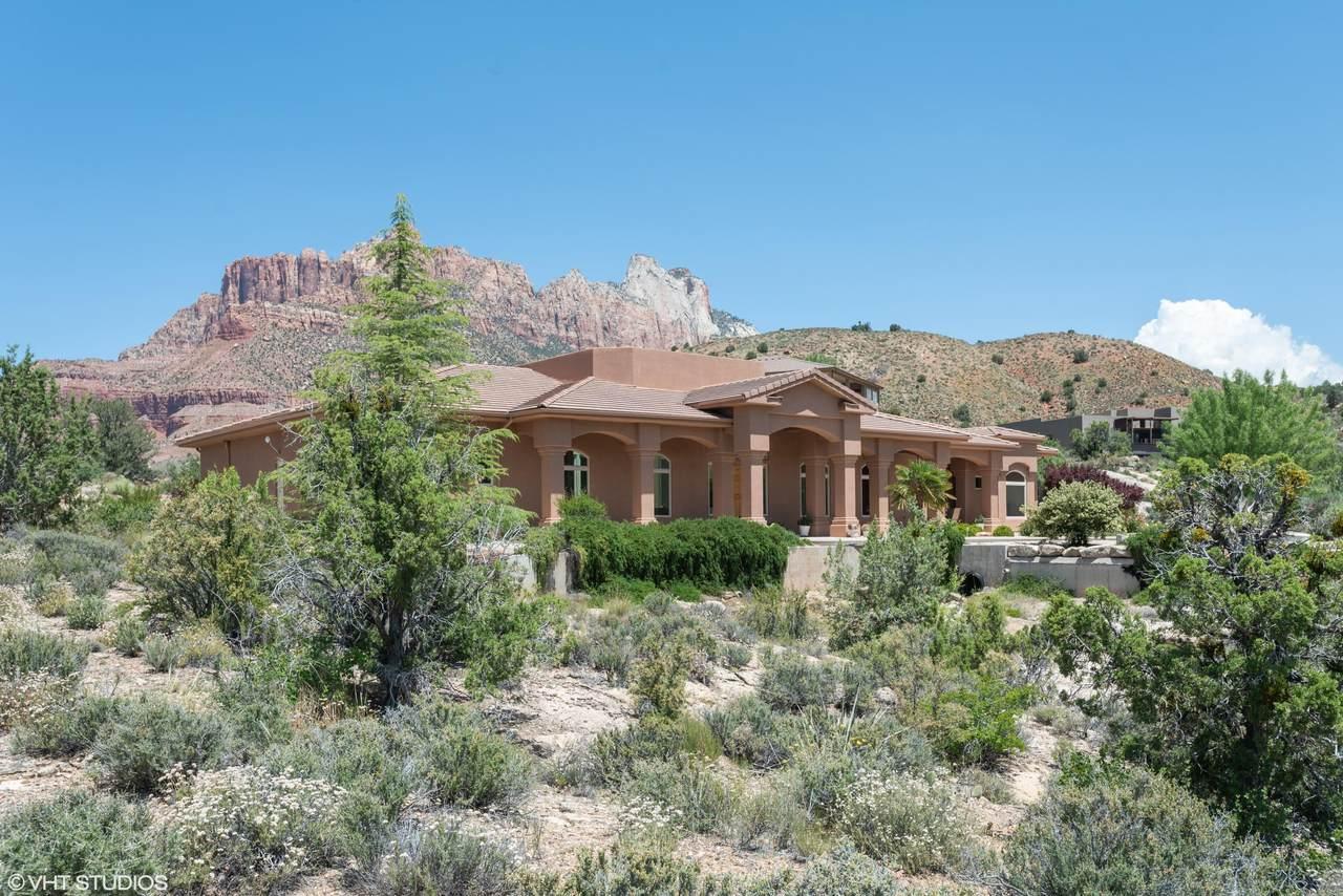 2499 Anasazi Way - Photo 1
