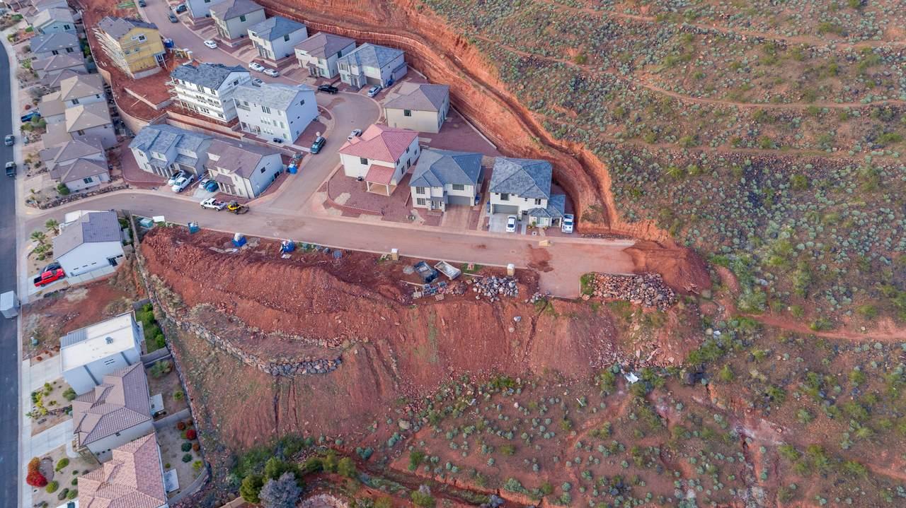 438 Stone Mountain Dr - Photo 1