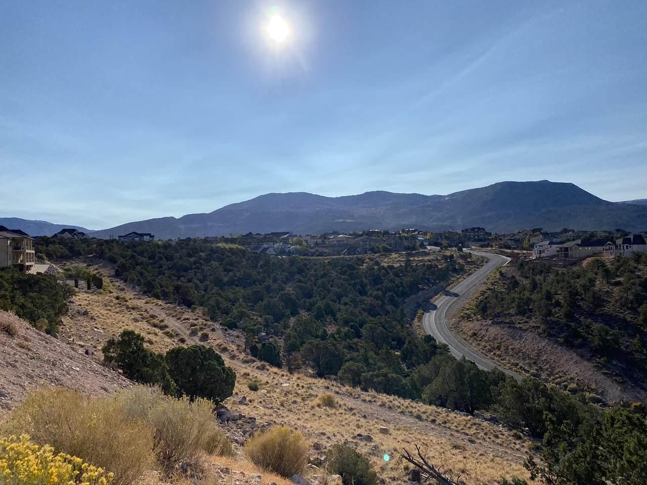 411 Carmel Ridge Cir - Photo 1
