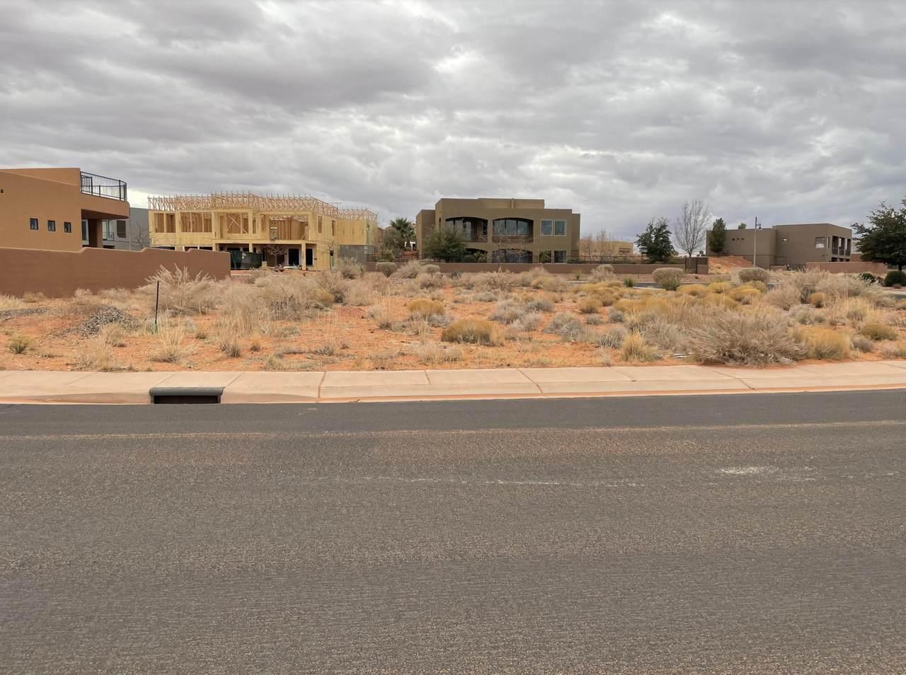 3342 Desert Hollow Ln - Photo 1