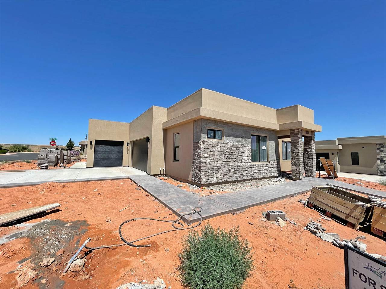 3336 Red Rock Way - Photo 1