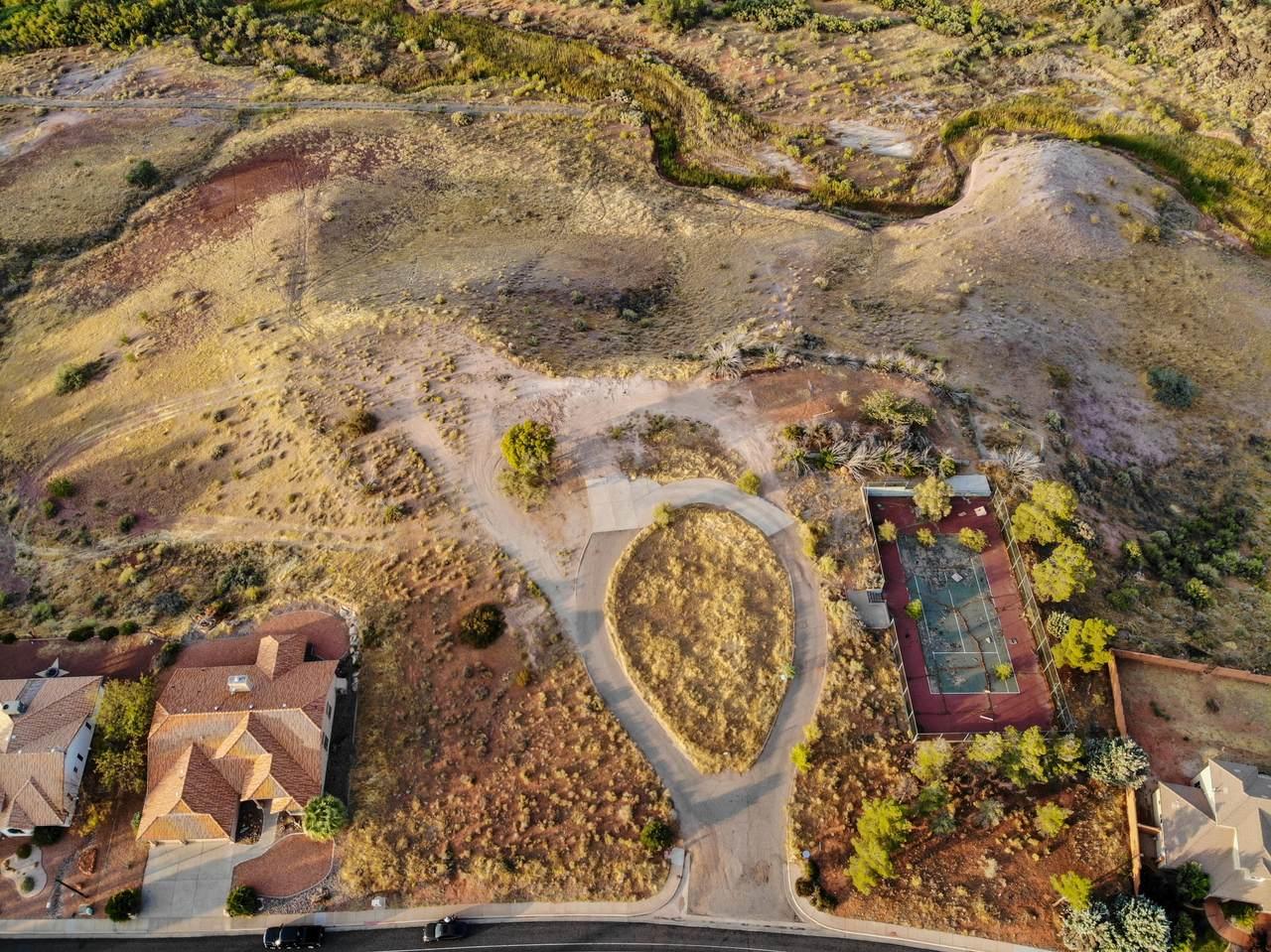 2700 Canyon View Dr - Photo 1