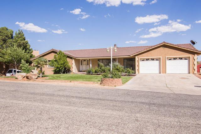 713 Escalante Dr, St George, UT 84790 (MLS #17-185622) :: Remax First Realty