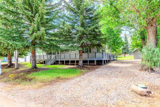 870 E Mountain View Dr, Pine Valley, UT 84781 (MLS #18-195988) :: Diamond Group