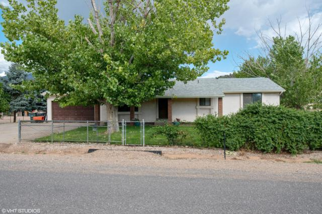 8312 N Sapphire Dr, St George, UT 84770 (MLS #18-197389) :: The Real Estate Collective