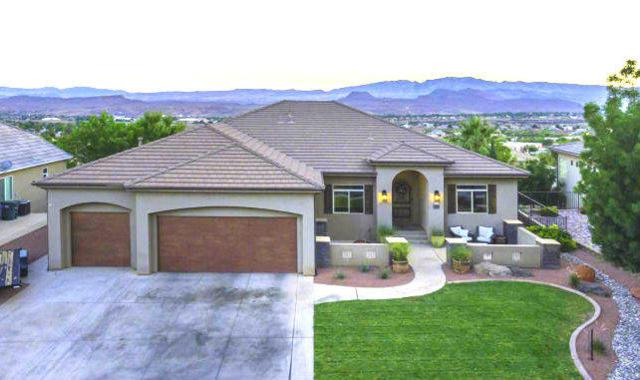 2129 N Lone Rock Dr, St George, UT 84770 (MLS #18-198388) :: Langston-Shaw Realty Group