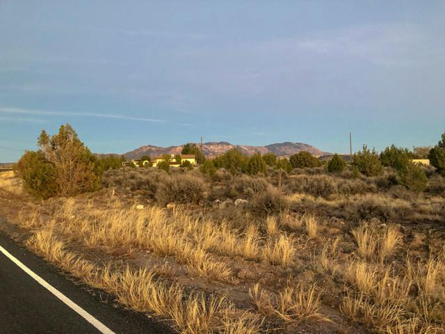 26 Acres Center St, Veyo, UT 84782 (MLS #18-199178) :: The Real Estate Collective