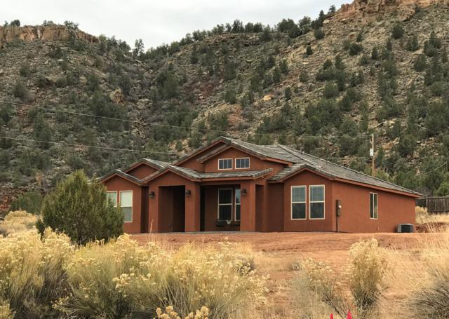 1737 N Apple Valley Dr, Hurricane, UT 84737 (MLS #18-199636) :: Remax First Realty