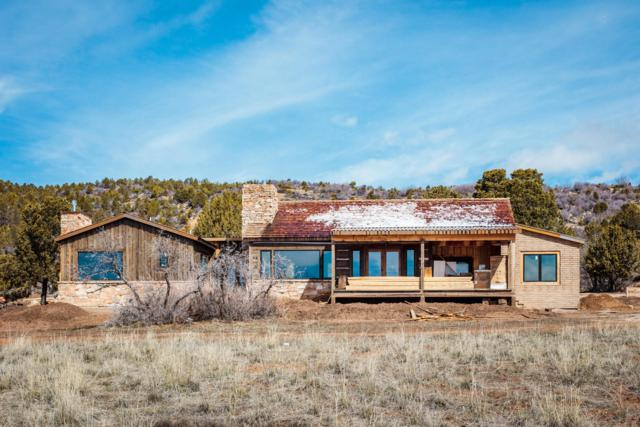 26 Peaches Ln, Mt. Carmel, UT 84755 (MLS #19-202729) :: Red Stone Realty Team