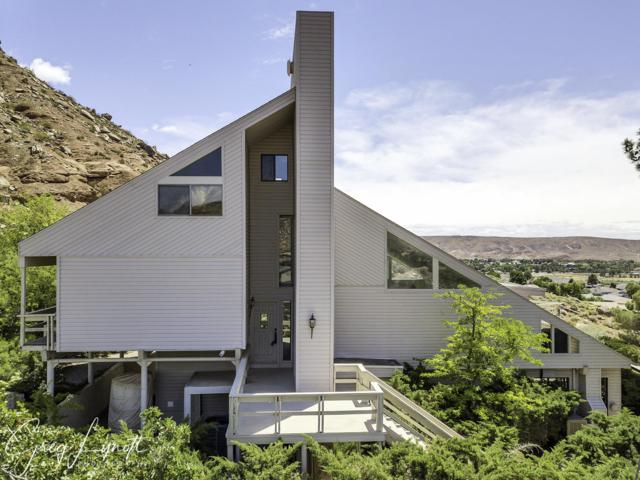 2746 Paria Cir, St George, UT 84790 (MLS #19-203671) :: Remax First Realty