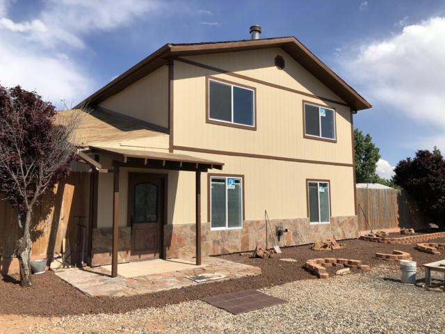 1758 N Cartland Dr, Apple Valley, UT 84737 (#19-204427) :: Red Sign Team