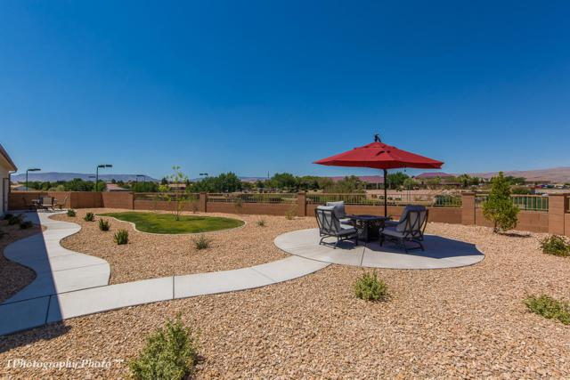 1528 W Gilder Flicker Dr, St George, UT 84790 (MLS #19-205581) :: Red Stone Realty Team