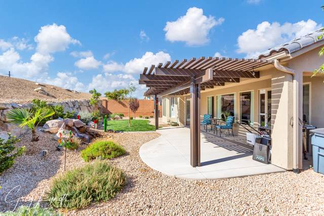 1349 W Silk Berry Dr, St George, UT 84790 (MLS #19-207164) :: Red Stone Realty Team