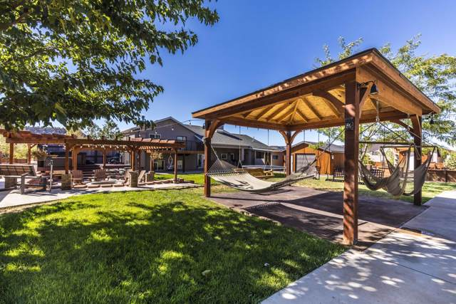 1052 W Smithsonian Way, Apple Valley, UT 84737 (MLS #19-207955) :: Remax First Realty