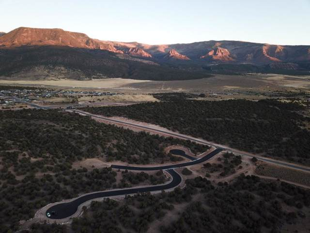 Lot 8 W South Mountain Drive #8, Cedar City, UT 84720 (MLS #19-208725) :: The Real Estate Collective