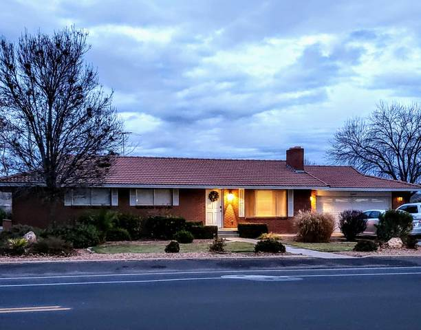 2895 S Bloomington Dr E, St George, UT 84790 (MLS #19-209713) :: Langston-Shaw Realty Group